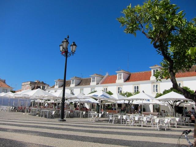 Terrazas junto a la Plaza Marqués de Pombal